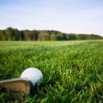 ゴルフウェアにワンポイントアクセサリーをプラス!おすすめのブートニエール3選